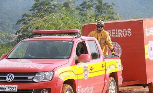 Bombeiros de SC mobilizam efetivos e viaturas para operação em Minas Gerais