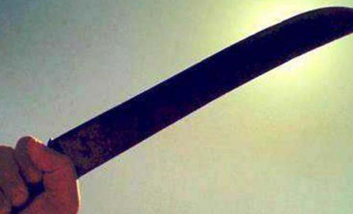 Homem é agredido a facão no bairro Sagrada Família