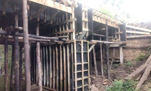 Ponte de madeira é substituída na Cabeceira do Barra Grande