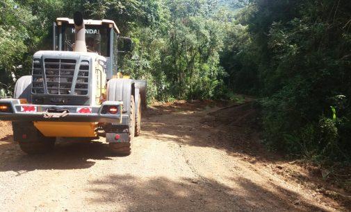 Obras: Estradas rurais e ruas são recuperadas em União da Vitória
