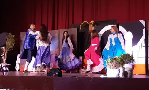 Teatro local anima crianças da rede escolar de União da Vitória