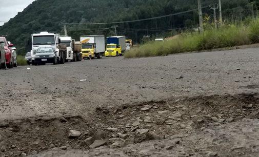 SC 135 é fechada em protesto ao Governo de Santa Catarina