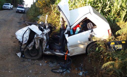 Duas pessoas ficam feridas em acidente de trânsito em PU