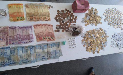 Policiais do 27º BPM fecham ponto de venda de drogas