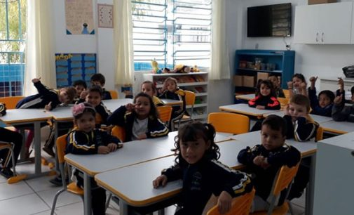 Escolas de Porto União recebem novas carteiras