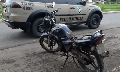 Homem cai de moto no bairro Santa Rosa em Porto União