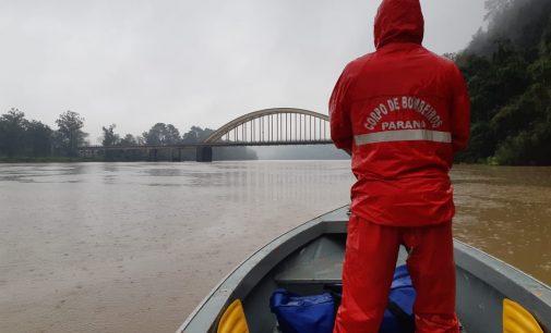 Bombeiros de UVA iniciam buscas por Júlio Vieira no Rio Iguaçu