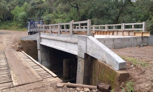 Ponte sobre o Rio Liso em Matos Costa está sendo finalizada