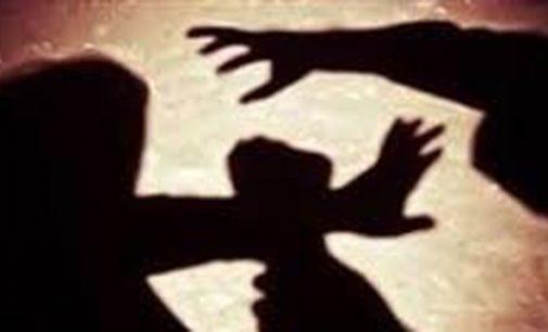 Mulher tem corte profundo na cabeça, após briga com marido