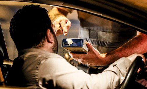 Condutor é preso por acidente e por dirigir alcoolizado