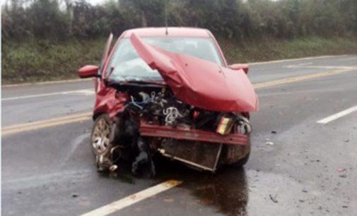 Condutor fica ferido em acidente no trevo de Irineópolis
