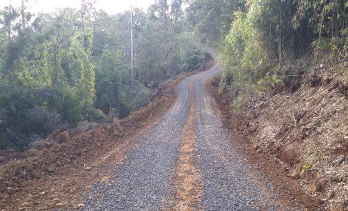 Setor de Obras de Matos Costa recupera mais duas estradas