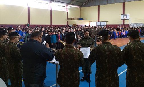 """Projeto """"Nossa Bandeira: Escola de Civismo"""" chega a APAE"""