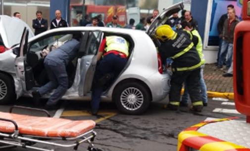Acidente de trânsito em PU deixa uma pessoa com ferimentos