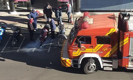 Princípio de incêndio em motocicleta no centro de Porto União