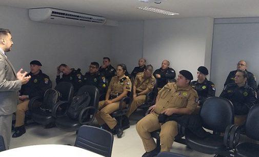 Juiz Carlos Mattioli se reúne com militares do BPEC