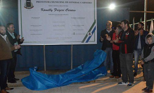 Mini-Arena presta homenagem a jovem Kamilly Cararo
