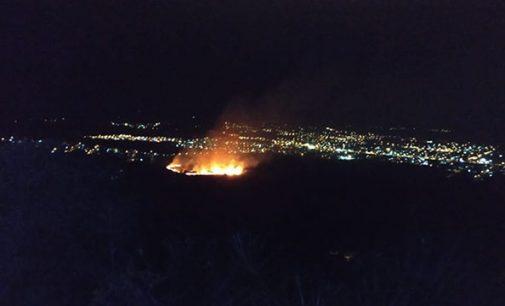 Incêndio em vegetação no bairro Bom Jesus