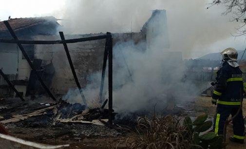 Incêndio destrói casa no Horst Waldraff II