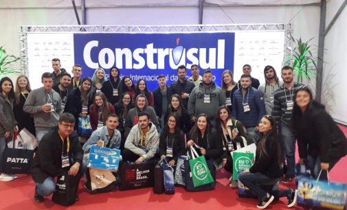 Acadêmicos da Uniguaçu visitam 22ª Feira Internacional de Construção em Porto Alegre