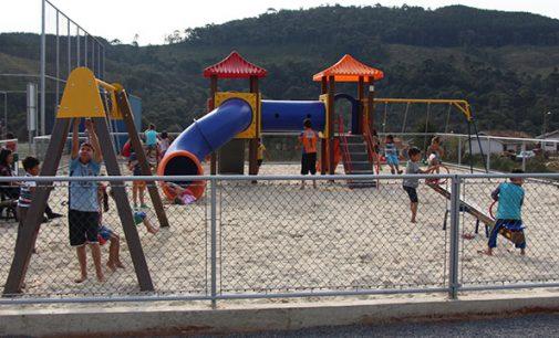 Bituruna: Bairro São Pedro ganha playground infantil