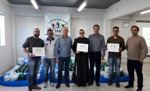 Esportes de Porto União entrega donativos para entidades