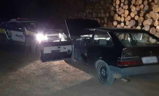 Dois homens são presos por furto de veículo