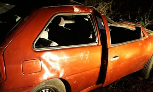 Estrada da Paca – Veículo capota na SC 462 em Matos Costa