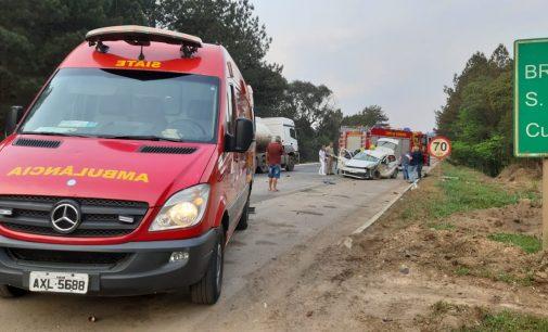 Acidente na BR 153 deixa três funcionários do IAP feridos