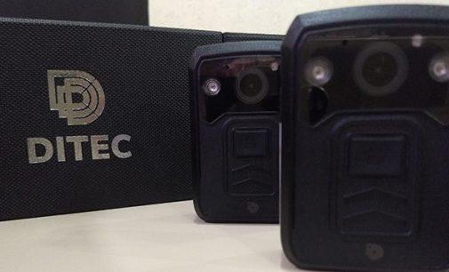 Câmeras passam a fazer parte da farda de policias de Porto União
