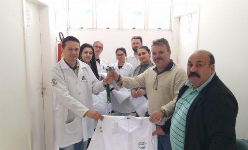 Funcionários da Saúde de Matos Costa recebem Jalécos e Crachás