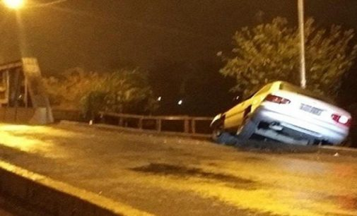 Veículo colidir na entrada da ponte Machado da Costa