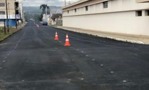 Rua Dr Carlos Cavalcanti recebe nova sinalização