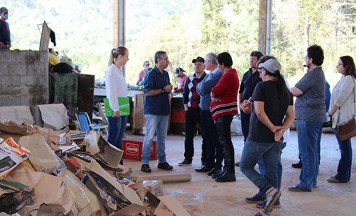 Comitiva de Irineópolis visita Reciclinho em Bituruna