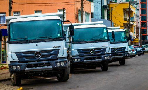 Novos caminhões vão ajudar nos serviços da Secretaria de Obras