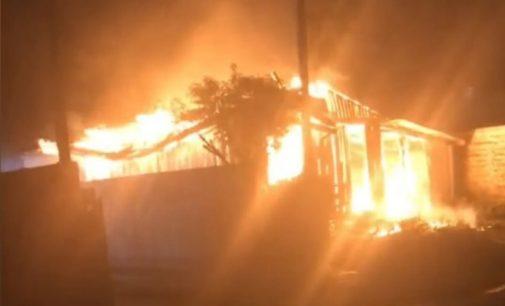 Incêndio destrói casa no bairro São Sebastião