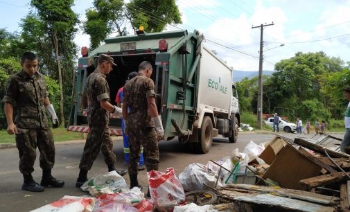 Caminho do Monge recebe ação de limpeza contra a Dengue