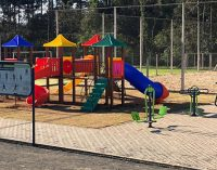 Playground infantil é instalado no distrito de Santana