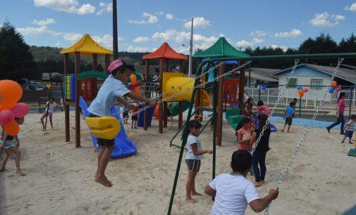 General Carneiro inaugura Playground no bairro Planalto