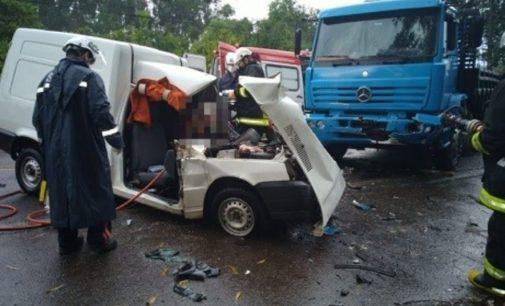 Caminhão de União da Vitória se envolve em acidente na SC 283