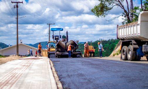 Concluída a obra de pavimentação da avenida Leandro Muzzolon