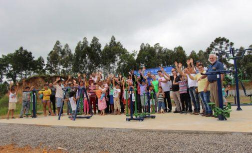 Prefeitura de Bituruna inaugura academia no bairro São João