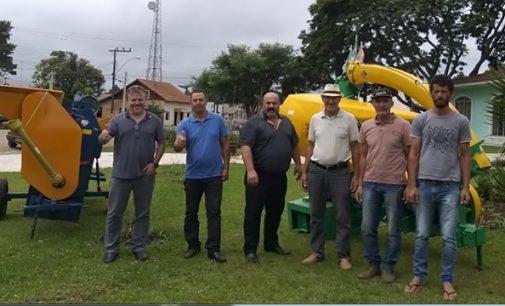 Agricultura de Matos Costa recebe Implementos Agrícolas