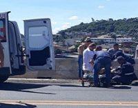 Jovem causa acidente entre três caminhões na BR 153