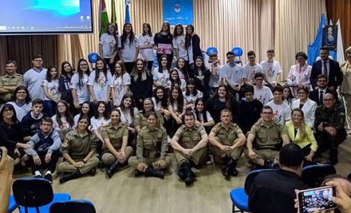 """Projeto """"AME"""" forma 58 alunos em Porto União"""