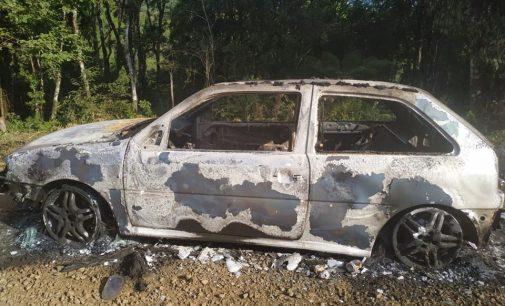Veículo fica destruído no interior de Porto União