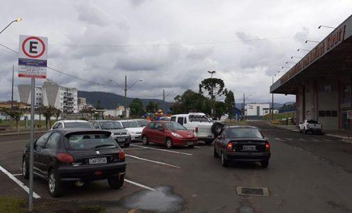 Novas vagas de estacionamento rotativo são sinalizadas