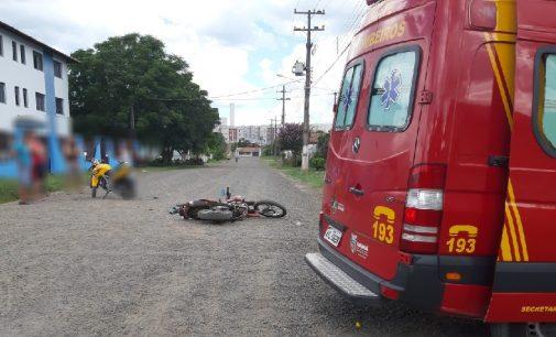 Acidente de moto deixa dois feridos no Rocio