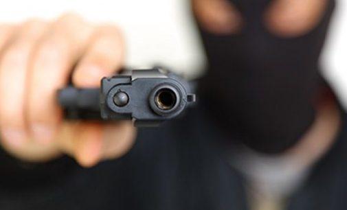 Bituruna: Três homens armados tentam assaltar residência