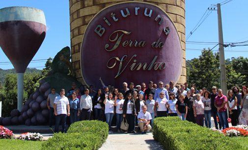 Guarapuavanos visitam a Rota do Vinho de Bituruna